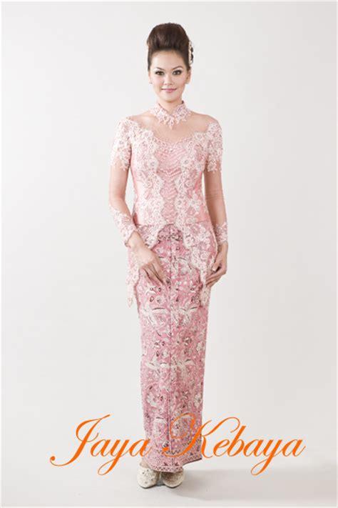 Kebaya Modern Risma Batik 221114 by Jaya Kebaya Jayakebaya