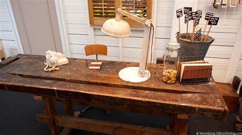 meubels zelf schoonmaken bekijk hier een pagina vol tips interieur inspiratie een oude werkbank in het interieur