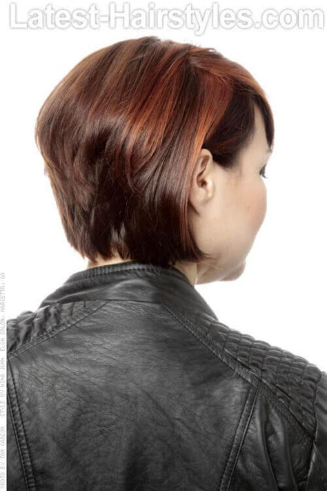 graduated bob with side parting and fringe 20 extraordinary short straight hairstyles to try