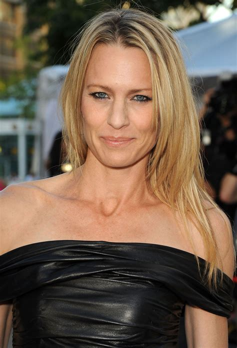 robin wright neck robin wright scar on neck 1296 best house of cards