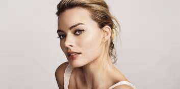 24 hours with margot robbie margot robbie shares her daily routine