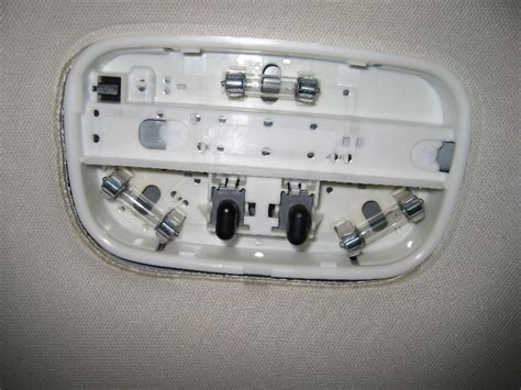 2008 ford escape light bulb ford escape overhead dome light bulbs replacement guide 005