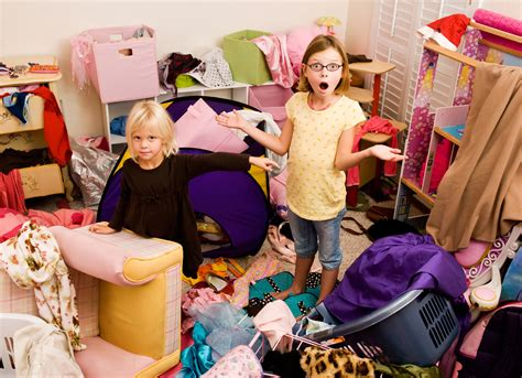 cleaning clutter 8 surefire ways curb your kid s clutter daily household