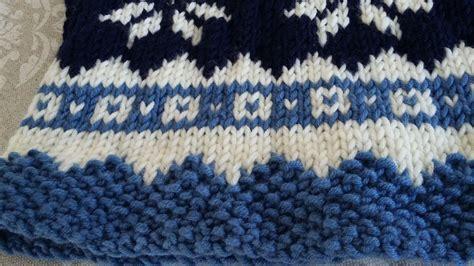 pattern maglia ai ferri scalda collo ai ferri schema con fiocco di neve in stile