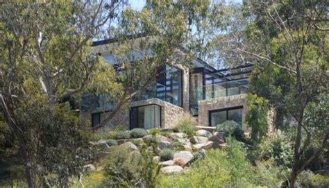 contemporary australian home architecture on yarra river north warrandyte house in victoria e architect