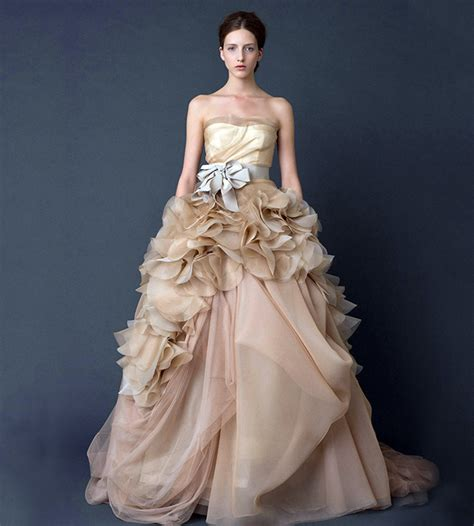 Wedding Gowns Vera by 10 Vera Wang Wedding Gowns That Will Set His Racing