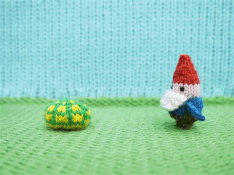 knitting gif stop motion hide gif by mochimochiland find on giphy
