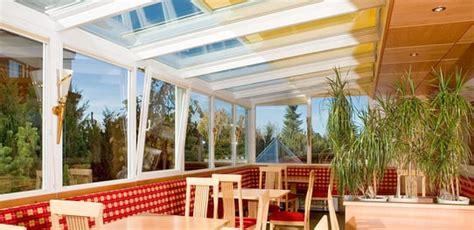 gazebi chiusi con vetrate verande pvc e alluminio balconi a vetro vetrate finstral