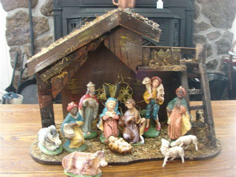 vintage 19 piece nativity set from italy vintage italian plaster nativity set 11 pieces and wooden stable ebay