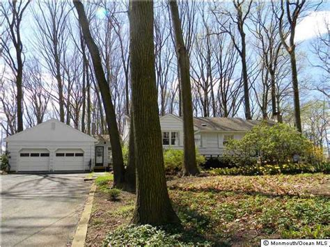 Nj Property Records Search 11 Hillcrest Rd Holmdel Nj 07733 Property Records Search Realtor 174