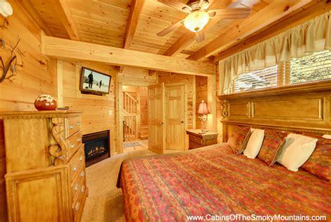 12 bedroom cabins in gatlinburg gatlinburg cabin the grandview 3 bedroom sleeps 12