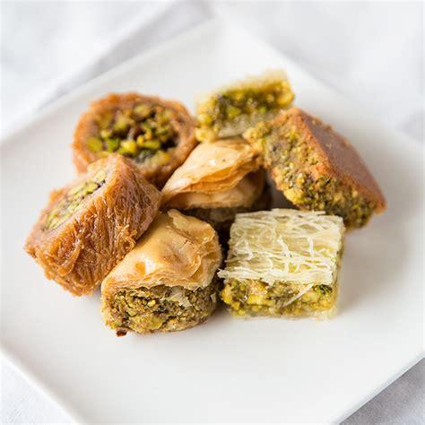 Arabic Sweet Baklava Roll Mixnut baklava mix pistashio balha s pastry