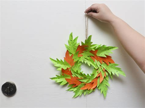 How To Make A Paper Wreath - 3 ways to make a paper wreath wikihow