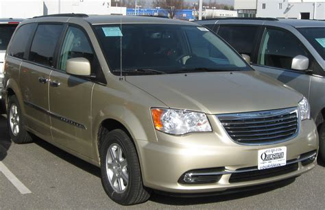 2011 chrysler town and country touring file 2011 chrysler town country touring 02 17 2011