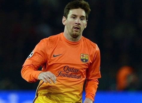 five year lionel messi wows with his skills