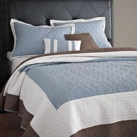 quilts and coverlets canada 17 best images about bedding on pinterest canada monaco
