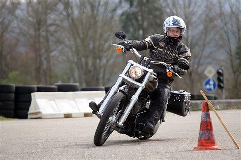 Motorrad Sicherheitstraining Kirchheim sicher die kurve kriegen kirchheim teckbote