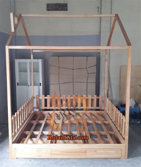 Rak Laci 2 X 2 Cantik Rotan Sintetis High Quality bed code bed16 rotankita