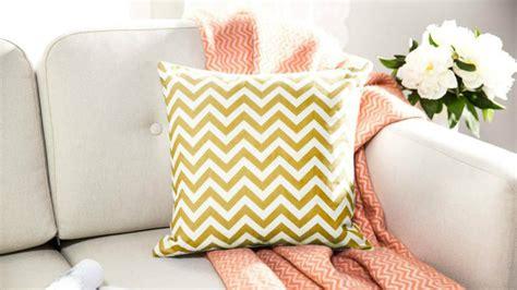 cuscini da arredamento cuscini gialli prodotti per l arredamento della casa