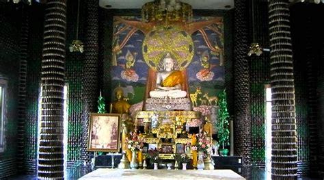 Patung Dari Sengon Untuk Tempat Botol Sanye 1 takjub kuil keren ini dibangun hanya dengan botol bir saja