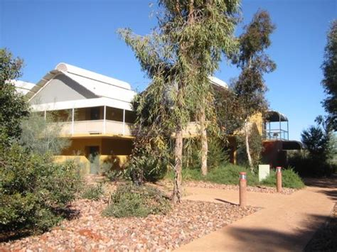 Desert Gardens Fits Nicely Into Its Surrounds Picture Desert Gardens Hotel Ayers Rock