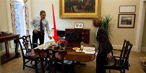 trump desk vs obama desk trump has a button on his desk to summon a butler