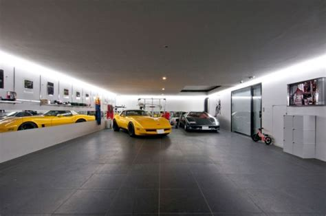 house with a massive 20 car garage for all of your toys is 15 contemporary houses and their inspiring garages