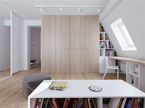 letto su armadio mobili e armadi nella da letto in mansarda