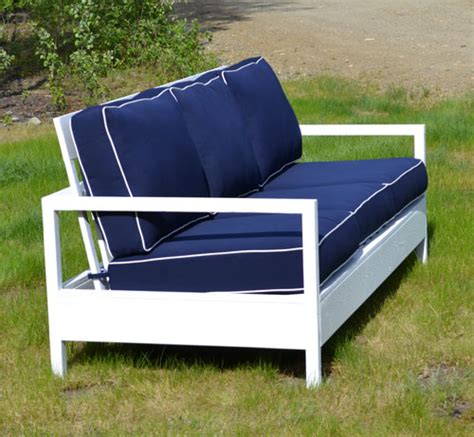 Diy Sofa Plans by White Simple White Outdoor Sofa Diy Projects