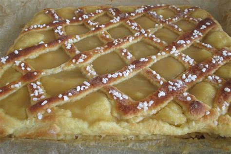 kuchen waagerecht schneiden apfelkuchen aus hefeteig schnell und einfach gebacken