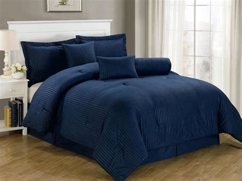 navy blue queen comforter 25 best ideas about navy blue comforter on pinterest