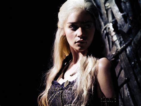 Khaleesi Bathtub by Daenerys Targaryen Tv Characters Wallpaper 31019658 Fanpop