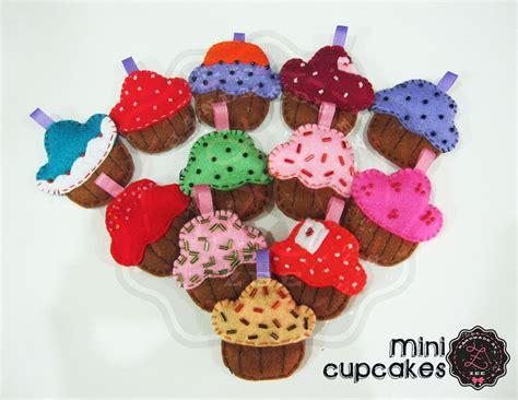Souvenir Pernikahan Cupcakes Candlelilin Cupcakes mini cupcakes cupcake flanel felt felt cupcake handmadebyzee kue flanel medan aceh