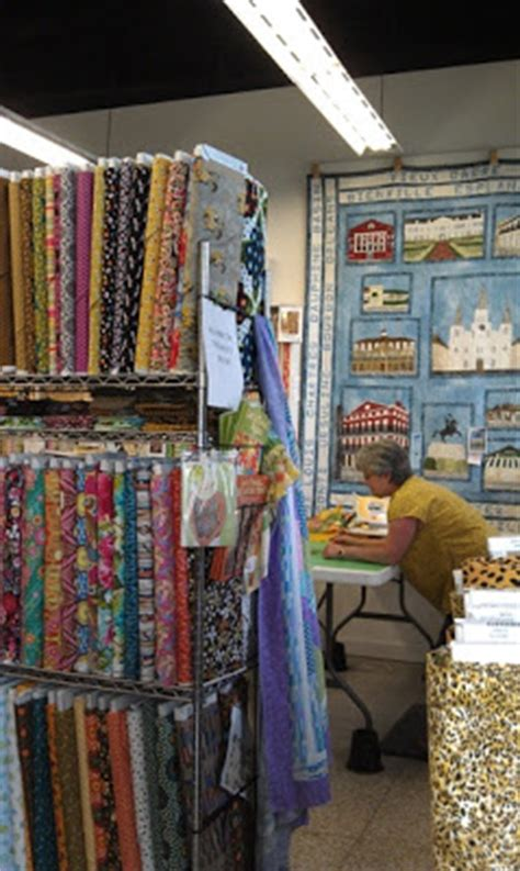 Quilt Shops New Orleans by Quilting On The Crescent Fabric In The Crescent Mes Amis