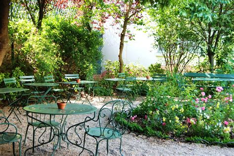 salon de jardin romantique j ai test 233 les plus belles terrasses caf 233 parisiennes du printemps boubouteatime