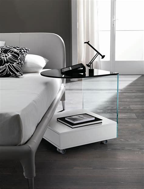 designer nachttisch aus glas nachttisch aus glas mit rollen rollo by t d tonelli