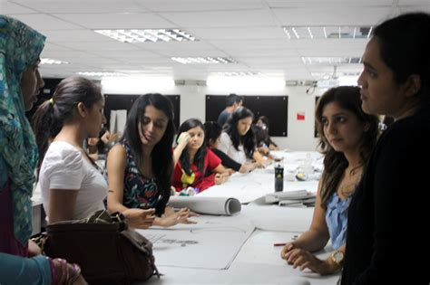 Mba In Fashion Management In Mumbai by Fashion Designer Fashion Designing Course In
