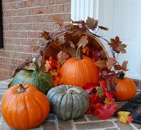 Fall Front Porch Decorations - wondrous thanksgiving porch decor presents stunning hanging wreath also impressive pine tree