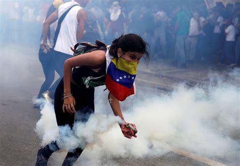 imagenes de protestas en venezuela hoy la masiva protesta y fuerte represi 243 n en venezuela del