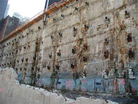 wall photo file world trade center slurry wall eric ascalon 9 4 02