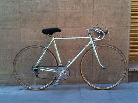 vintage peugeot bikes peugeot vintage bike wheels