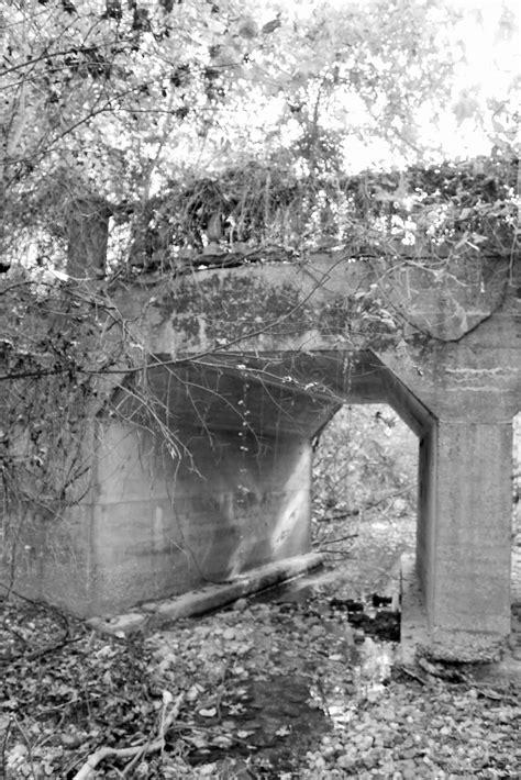 Bridgehunter.com | Oakwood Cemetery Bridge