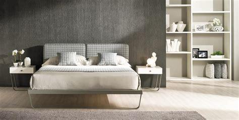 testate letto con cuscini letto in ferro con testata imbottita con cuscini idfdesign