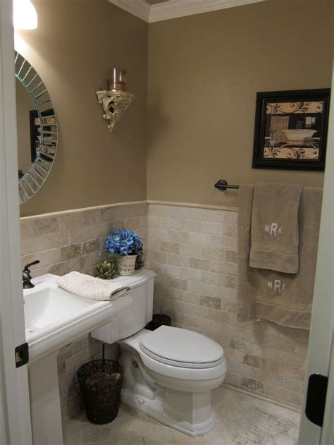 half bathroom tile ideas 25 best ideas about bathroom tile walls on