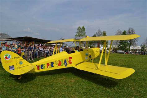 centro commerciale giardini sole un aereo sociale in mostra a castelfranco castellana