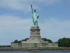 freiheitsstatue le file 0326new york city statue of liberty jpg wikimedia