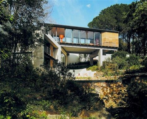 bridge house modern residence making the most of a fantastic location the bridge house in cape
