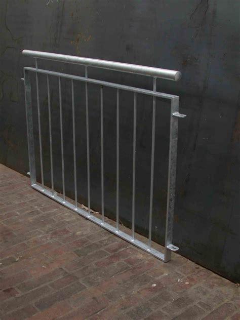 balkongeländer verzinkt balkongel 228 nder verzinkt mit edelstahlhandlauf