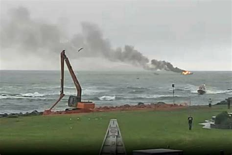 fire boat sinks sunlive whakatane boat sinks after fire the bay s news