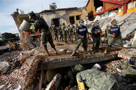 earthquake mexico at least 61 die in 8 5 magnitude mexico quake strongest